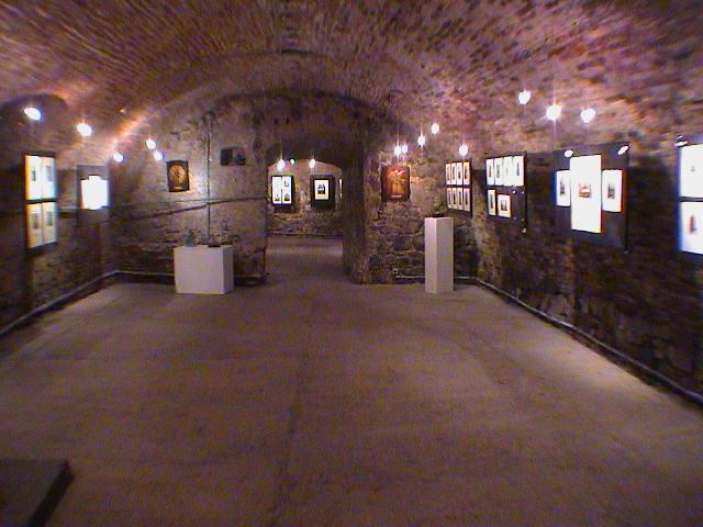 2969c5152b34 Galéria Michalský dvor vznikla 8.12.1995 a nachádza sa v suterénnych  priestoroch bývalého Jesenákovho paláca na Michalskej ulici č.3 v  Bratislave.